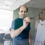 """Daniel de Florian: """"La formación de un sistema científico sólido lleva mucho tiempo"""""""