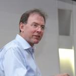 Paul Brickell ofreció una conferencia internacional en el TAU