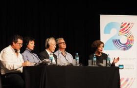 De izq. a der.: Tristán Bauer, Anna Maria Monticelli, John M. Coetzee, Nick Drake, Paz Alicia Garciadiego.