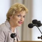 La ministra de Ciencias, Investigación y Cultura de Brandemburgo (Alemania) visita la UNSAM