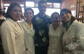 Uno de los equipos conformado por estudiantes de la Argentina, Perú y Colombia