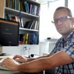 Un docente de la UNSAM advirtió sobre la falta de confidencialidad en las redes