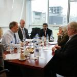 El asesor científico en jefe del Servicio Exterior Británico visitó la UNSAM