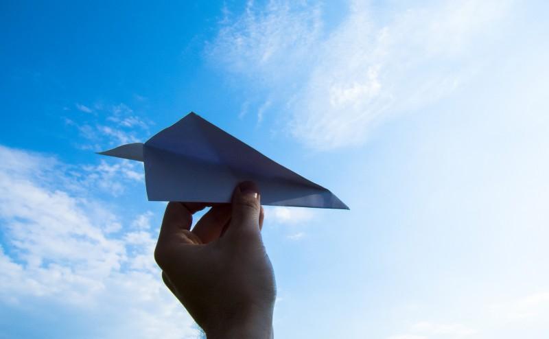 paper-plane-1607340_1920