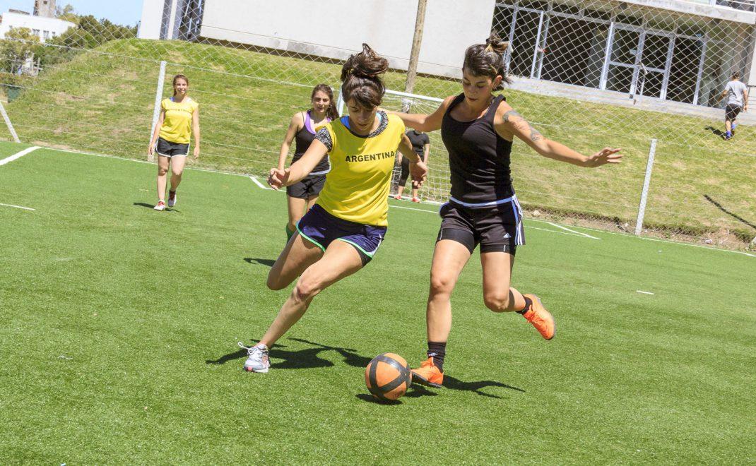 De los Torneos de Fútbol para Estudiantes.