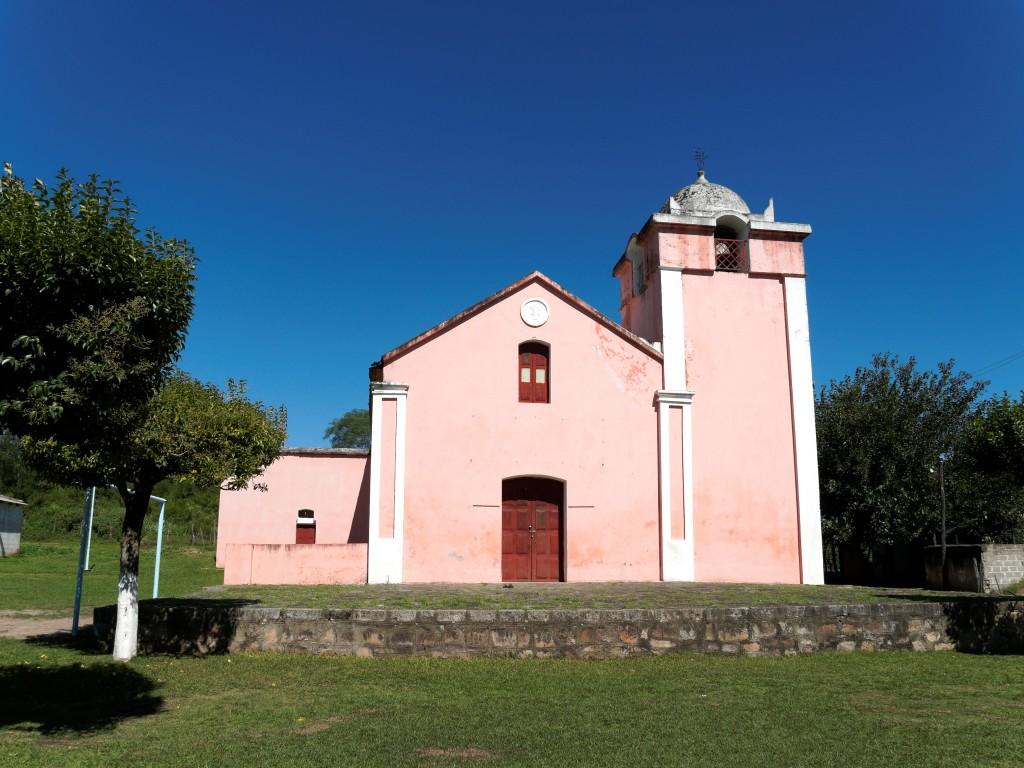 Iglesia del pueblo de Vilismán