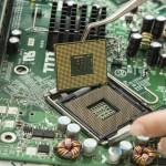 Estudiantes de Ingeniería Industrial e Ingeniería Electrónica